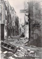 35 - SAINT MALO ( Série Après La Bataille Août 1944 ) RUE DE LA VIEILLE BOUCHERIE - CPSM Dentelée N/B GF Ille Vilaine - Saint Malo