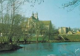 POITIERS  L'EGLISE MONTERNIEUF VEHICULES EN STATIONNEMENT (dil152) - Poitiers
