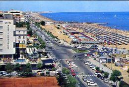 Riccione - Piazzale Roma E Spiaggia - 5 - Formato Grande Viaggiata – E 3 - Rimini