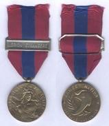 Médaille De La Défense Nationale - Echelon Bronze - Barette Légion Etrangère - France