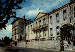 17 - SAINTES - Chateau - - Saintes