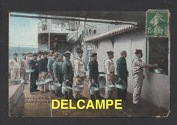 DF / MILITARIA / LA VIE DU MARIN / DISTRIBUTION DE LA SOUPE - Militaria
