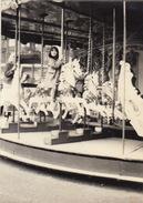 Photo Instantané Foire Kermesse Manege Moulin Chevaux De Bois à Bruxelles Années 60 - Unclassified