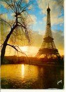Postal Paris. La Tour Eiffel Et Les Bords De La Seine. Ref. 7-fra253 - Francia