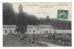 LE-PLESSIS-ROBINSON  (cpa 92)  Les Parterres Et L'orangerie De L'Ecole Horticole, Ancien Château COLBERT - Le Plessis Robinson