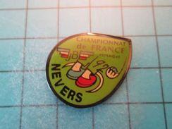 Pin413c Pin's Pins / SPORT Pétanque NEVERS CHAMPIONNAT DE FRANCE 92 PETANQUE  , Belle Qualité !!! - Bowls - Pétanque