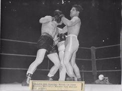 BOXE  / PALAIS DES SPORTS / MATCH MIAZZO / MULLER    /  PHOTO VERITABLE KEYSTONE ANNEES 40.50 - Sports