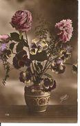 L40B015 -Beau Vase D'oeillets Et De Pensées - J.Roumiguière  N°119 - Yett - Holidays & Celebrations
