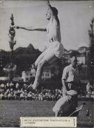 ATHLETISME / LAUSANNE / MATCH FRANCO SUISSE / SAUT EN LONGUEUR  /  PHOTO VERITABLE KEYSTONE ANNEES 40.50 - Sports