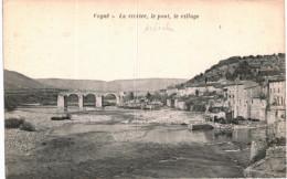VOGUE .... LA RIVIERE .... LE PONT - France