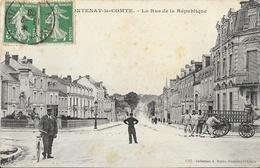 Fontenay-le-Comte (Vendée) - La Rue De La République, Militaires, Cycliste - Collection A. Robin - Fontenay Le Comte