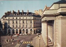 Nantes. Le Drugstore Et Le Théâtre Graslin. Automobiles Années 70, Peugeot 204 Coupé, Renault 16 Etc. - Le Pouliguen