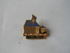 Pins Saint Malo - Città