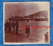 Photo Ancienne - Port à Situer - PORT VENDRES ? COLLIOURE ? Environs ? - Pyrénées Orientales Paquebot Boat Bateau - Bateaux