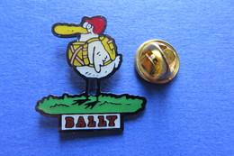 Pin's, Firme, BALLY, Soulier, Canard, Oiseau - Badges