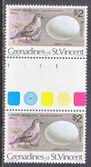 ST. VINCENT  GRENADINES  149 X 2    **    GUTTER  PAIR    BIRDS  And  EGGS - St.Vincent (...-1979)