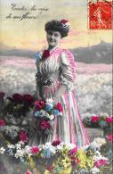 [DC11151] CPA - DONNA CON FIORI - Viaggiata - Old Postcard - Femmes