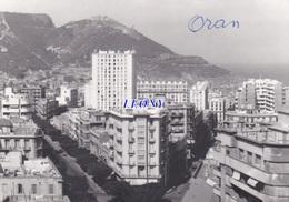PHOTOGRAPHIE  9x12  D' ORAN - QUARTIER ST MICHEL En 1962   - - Oran