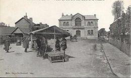 CORMEILLES, Place Du Marché Aux œufs Et Le Théâtre - France