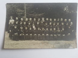 CARTES PHOTOS Anciennes GROUPE ECOLE DE JEUNES FILLES CPA Animee Postcard - To Identify