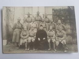 CARTES PHOTOS Anciennes GROUPE DE JEUNES SOLDATS CPA Animee Postcard - To Identify