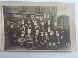 CARTES PHOTOS Anciennes GROUPE GARCONS ARTISTIQUE CPA Animee Postcard - To Identify
