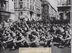 MANIFESTATIONS A ROME AU SUJET DE TRIESTE   / PHOTO VERITABLE KEYSTONE ANNEES 40.50 - Guerre, Militaire