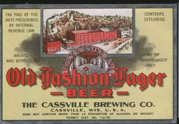 Old Fashion Lager Beer, Cassville Wisconsin (U.S.A.), Beer Label From 60`s. - Bière