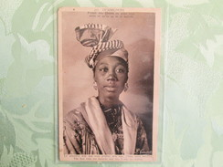 Guadeloupe ; Premie Fois Choute En Moin Voue , Moin Ce Qu On Ca In Te Habillee - Altri