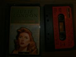 CASSETTE AUDIO  JULIE LONDON  CRY ME A RIVER - Audiokassetten