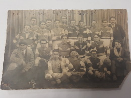 CARTE PHOTO Ancienne GROUPE HOMMES SPORTIF  CPA Animee Postcard - To Identify