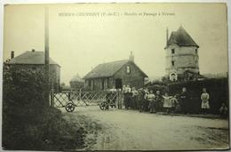 MOULIN ET PASSAGE Á NIVEAU - HERSIN COUPIGNY - France