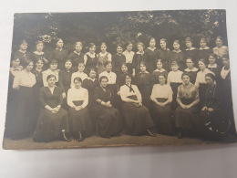 CARTE PHOTO Ancienne GROUPE FEMMES AOUT 1916 CPA Animee Postcard - To Identify