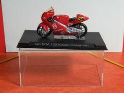 MOTO 1/24 > Giléra 125 Manuel Poggiali 2001(sous Vitrine) - Motos