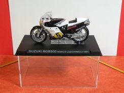 MOTO 1/24 > Suzuki RGB 500 Marco Lucchinelli 1981 (sous Vitrine) - Motos