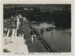 Bateaux . 3 Photos D'une Manoeuvre Du Primauguet En Rivière De Saïgon . Point Fixe Dans La Berge . 1934 . - Bateaux