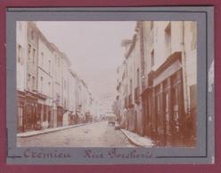 161117 A - PHOTO ANCIENNE 1900 - 38 CREMIEU - Rue Porcherie - Sabot Commerce - Crémieu