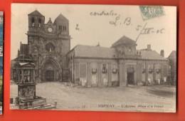 MIR-22 Souvigny  Ancienne Abbaye Et Le Prieuré, Cachet Frontal En 1906. Circulé Vers La Suisse Avec Un Timbre De Surtaxe - Frankrijk