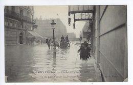 CPA Paris Inondé Livraison Du Pain Rue De La Pépinière N° 44 Noyer - Inondations De 1910