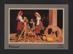 MINHO 1970 Years Postcard PORTUGAL  COUNTRY WOMAN Agriculture Maize Pumpkin - Postcards