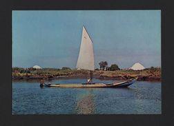 PORTUGAL AVEIRO 1960s Postcard BOAT SALT BARGE SHORES SALINES SAL SALINES BOATS - Postcards