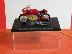 MOTO 1/24 > MV Agusta 500 Giacomo Agostini 1967 (sous Vitrine) - Motorcycles