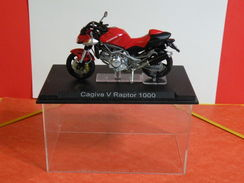 MOTO 1/24 > Cagiva V Raptor 1000 (sous Vitrine) - Motos