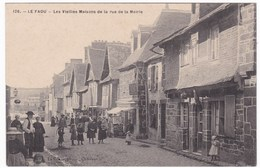 CPA Bretagne Finistère Le Faou - Les Vieilles Maisons De La Rue De La Mairie - France