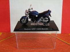 MOTO 1/24 > Suzuki GSF 1200 Bandit (sous Vitrine) - Motos