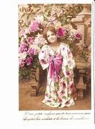 D'une Petite Enfant Qui De Tout Coeur Vous Aime Acceptez Les Souhaits Et Les Beaux Chrysanthèmes Ed. ? 1908 - Nouvel An