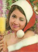 Cartolina Stereoscopica (Stereoscopiche, 3D, Visiorelief) Ragazza Vestita Da Babbo Natale Che Strizza L'occhio - Cartoline Stereoscopiche