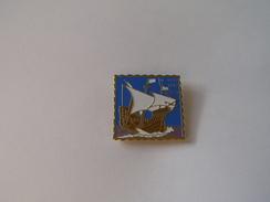 Pins Bateau Voilier 500 Eme Anniversaire Christophe Colomb Decouverte De L'amerique 1492-1992 - Boats