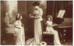 Fillettes - Au Piano - Reutlinger N° 2903/1 - 2903/2 - 2 Cartes - Portraits