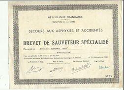 BREVET De SAUVETEUR SPECIALISE (Secours Aux Asphyxiés Et Accidentés Decerne A Mr GOUVERNAL Remy A Reims 51 - Diploma & School Reports